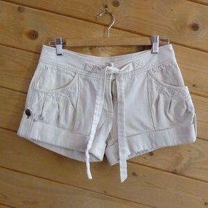 Diane Von Furstenberg Cream Belted Cuffed Shorts 4